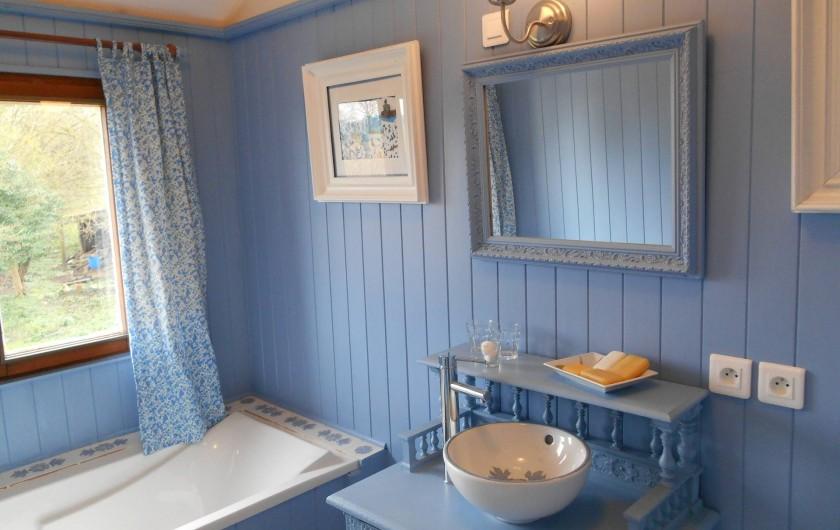 Location de vacances - Gîte à Pont-l'Évêque - Salle de bains étage (baignoire + toilette + lavabo)