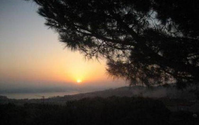 Location de vacances - Appartement à Banyuls-sur-Mer - lever de soleil vu de la maison