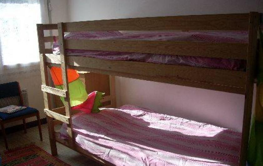 Location de vacances - Maison - Villa à Dolus-d'Oléron - la chambre d'enfants avec 4 lits superposés