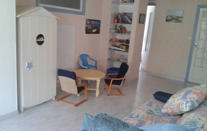 Location de vacances - Maison - Villa à Dolus-d'Oléron - salle de jeux et accès aux chambres