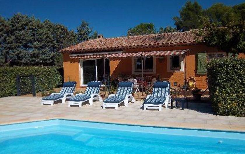 Location de vacances - Villa à Cotignac - Piscine