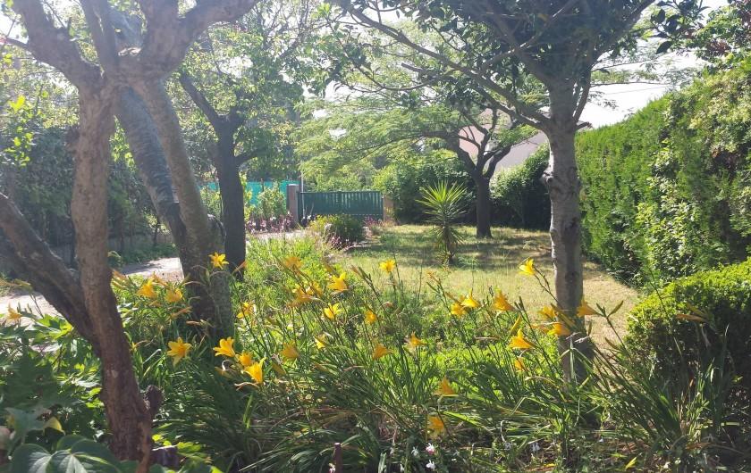 Location de vacances - Villa à Six-Fours-les-Plages - Entrée sécurisée avec interphone
