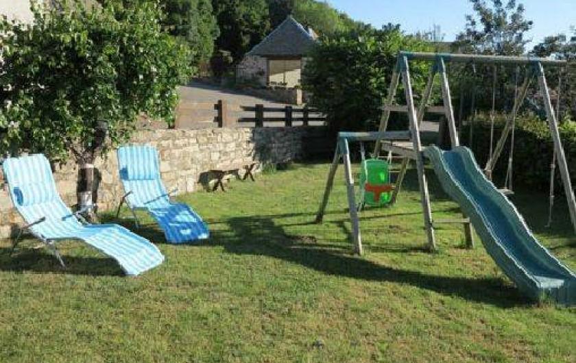 Location de vacances - Gîte à Saint-Pierre-de-Nogaret - bains de soleils, banc...