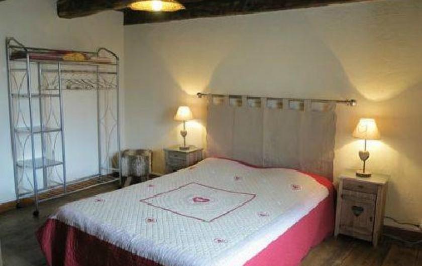 """Location de vacances - Gîte à Saint-Pierre-de-Nogaret - Chambre """"Gévaudan""""  1 lit en 140"""