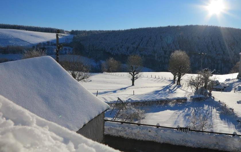 Location de vacances - Gîte à Saint-Pierre-de-Nogaret - Vue depuis le gîte par un beau matin d'hiver...