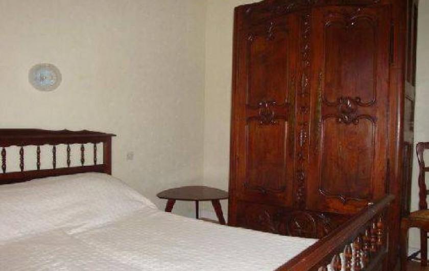 Location de vacances - Gîte à Lanhouarneau - LA CHAMBRE A COUCHER