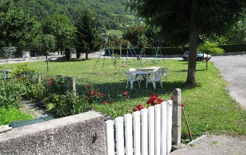 Location de vacances - Appartement à Esterre - jardin