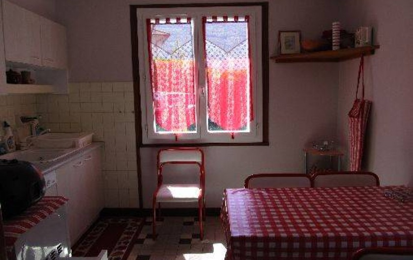 Location de vacances - Appartement à Esterre - cuisine repas