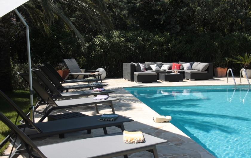 Location de vacances - Villa à Sainte-Maxime - Piscine