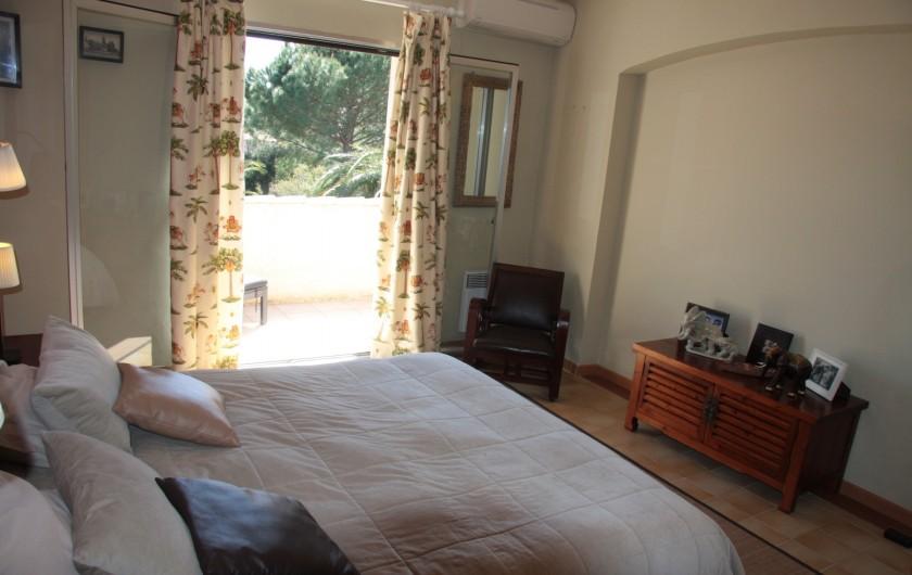 Location de vacances - Villa à Sainte-Maxime - Chambre rouge