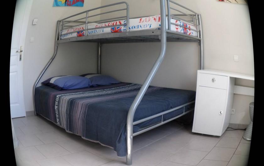 Location de vacances - Villa à Saint-Dézéry - chambre 1 ,1lit 140 plus1 lit en 90