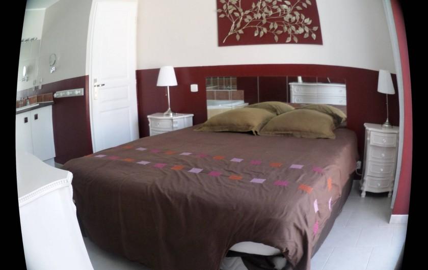 Location de vacances - Villa à Saint-Dézéry - chambre parentale acvec 1 salle de bain et 1 wc