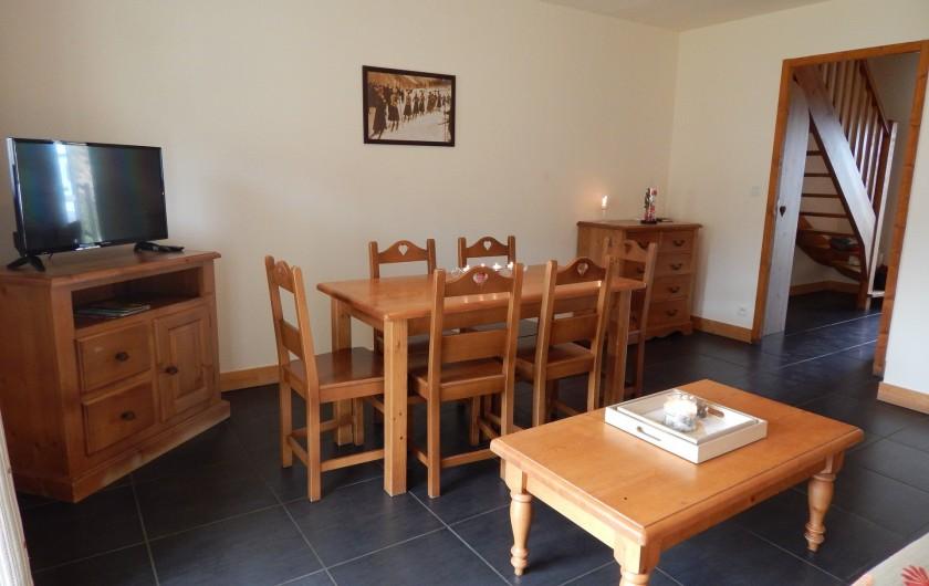 Location de vacances - Appartement à Loudenvielle - Le coin repas.