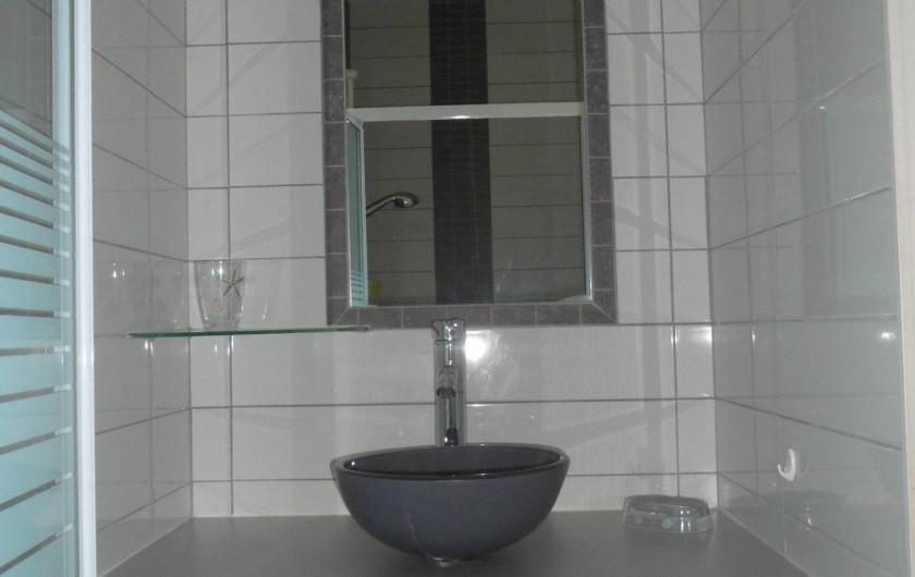 Location de vacances - Villa à Trois Bassins - salle d'eau privative avec douche dans chambre 3