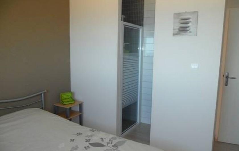 Location de vacances - Villa à Trois Bassins - chambre 3, vue sur lagon avec salle d'eau privative