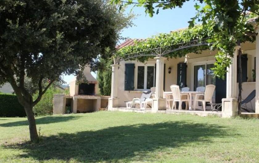 Location de vacances - Gîte à Vaison-la-Romaine - vue par la terrasse
