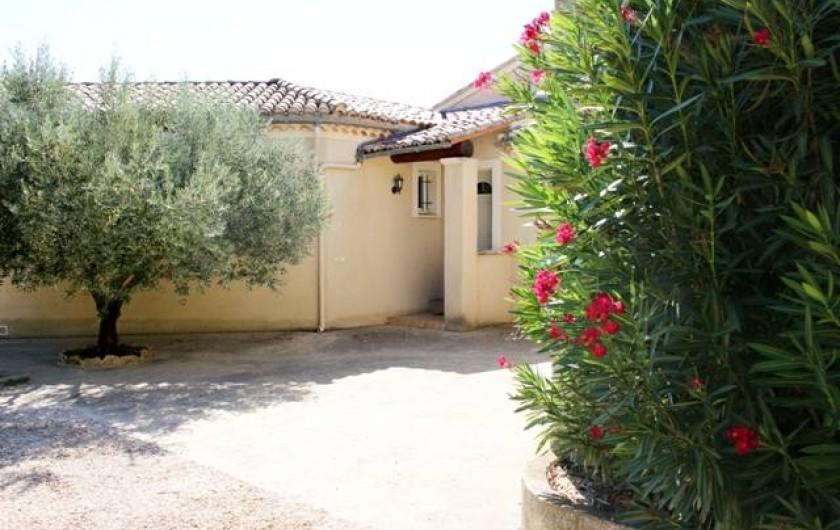 Location de vacances - Gîte à Vaison-la-Romaine - vue de l'entrée