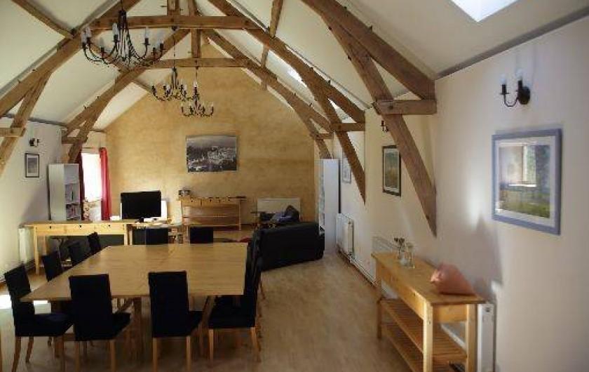Location de vacances - Gîte à Saint-Amand-de-Coly - la pièce à vivre