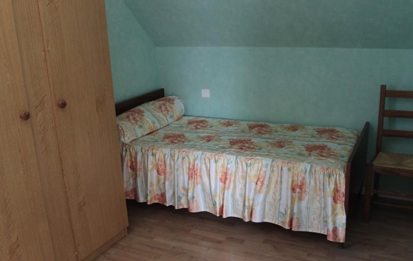 Location de vacances - Gîte à Peyrouse - Chambre triple