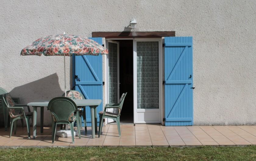 Location de vacances - Gîte à Peyrouse - Terrasse