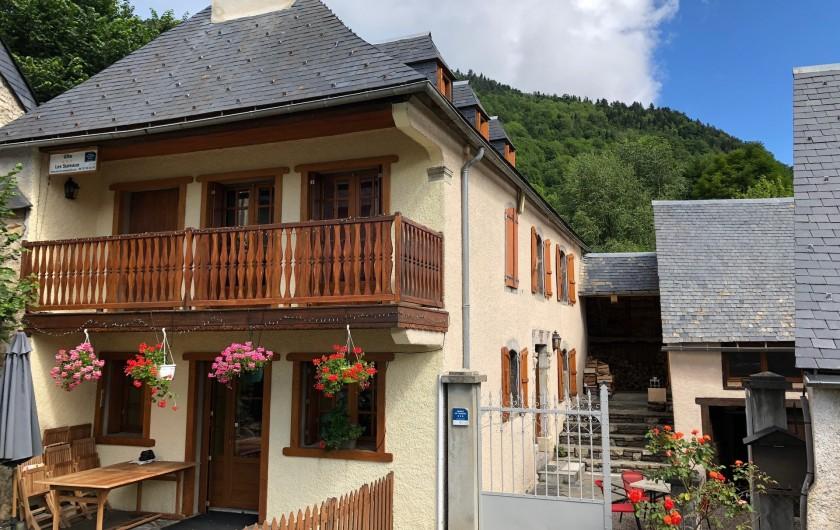 Location de vacances - Chalet à Vielle-Louron - Façade sud avec vue sur montagne
