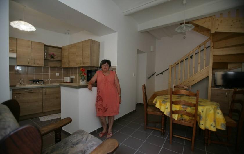 Location de vacances - Maison - Villa à Saint-Martin-d'Ardèche - cuisine et salle de séjour