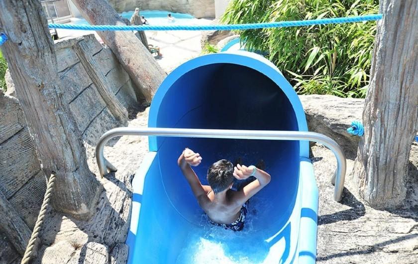 Location de vacances - Bungalow - Mobilhome à Saint-Hilaire-de-Riez - tobocan de la piscine