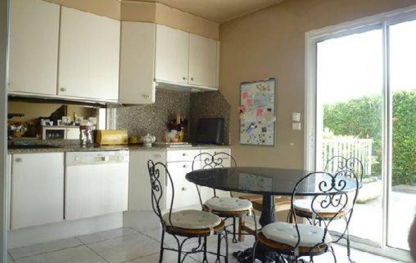Location de vacances - Villa à Caluire-et-Cuire - la cuisine