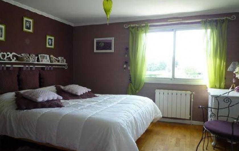 Location de vacances - Villa à Caluire-et-Cuire - une chambre lit 160 à l'étage