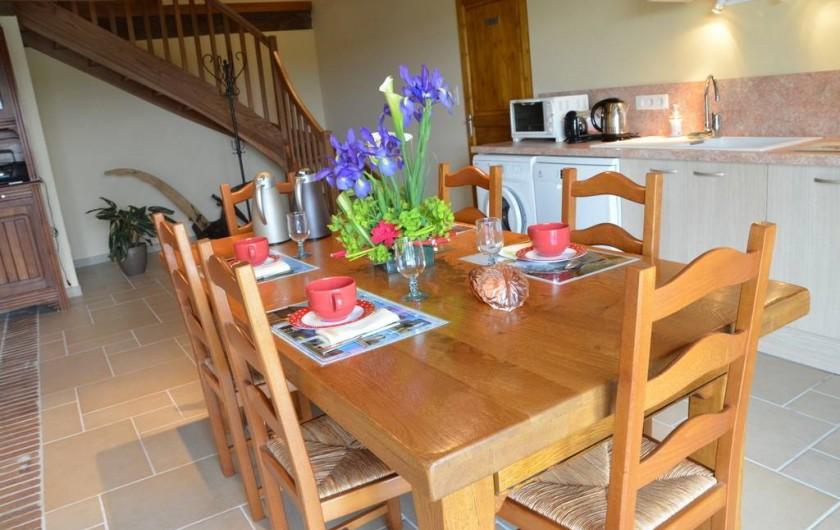 Location de vacances - Chambre d'hôtes à Auty - Cuisine commune équipé  les petits déjeuners servit le matin