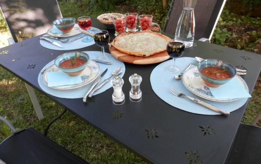 """Location de vacances - Chambre d'hôtes à Faycelles - ...ou partager un dîner """"maison""""."""
