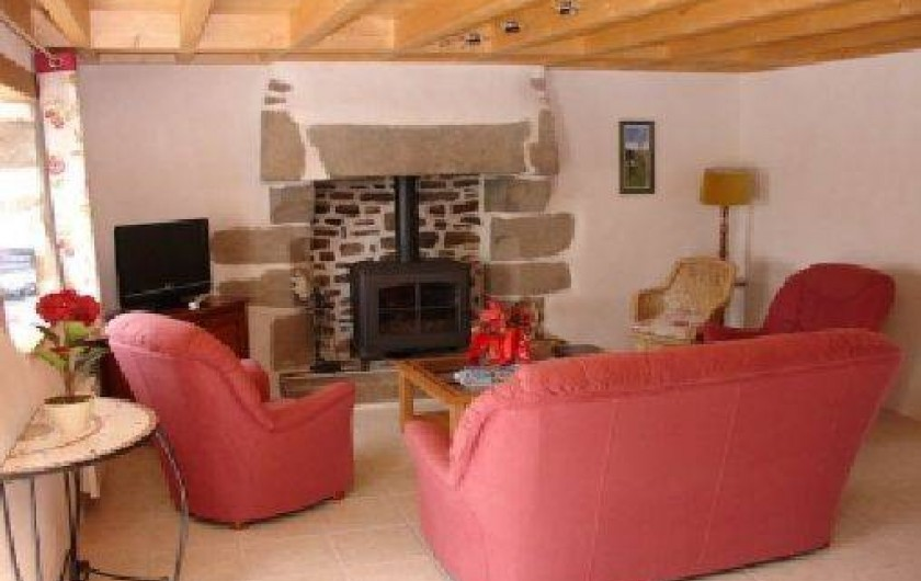 Location de vacances - Gîte à Tréflez - Salon,télévision,poêle à bois