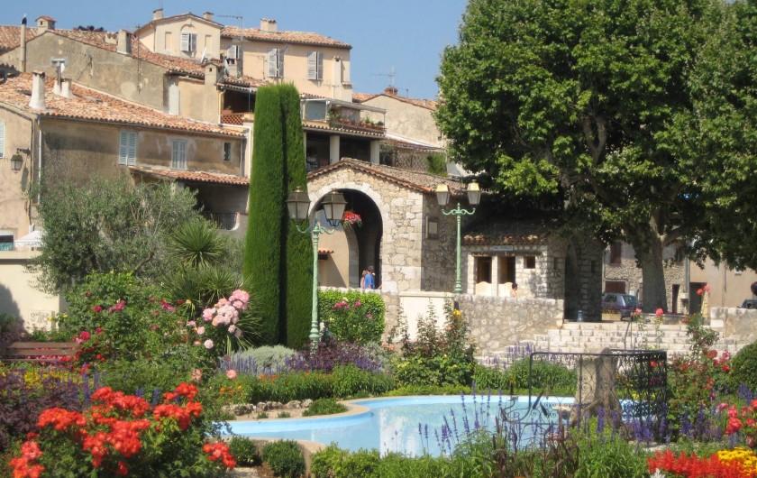Location de vacances - Villa à Saint-Cézaire-sur-Siagne - VILLAGE