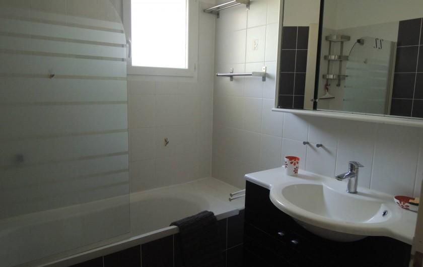 Location de vacances - Appartement à Villeneuve-lès-Avignon - La salle de bains