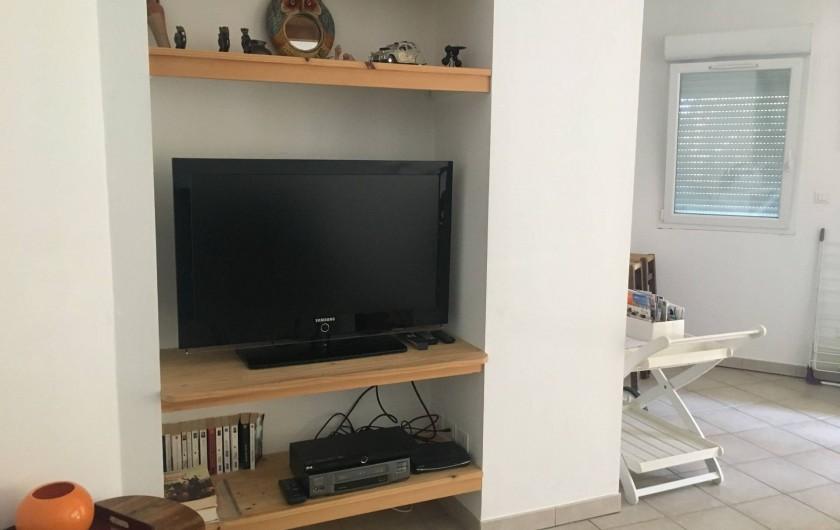 Location de vacances - Appartement à Villeneuve-lès-Avignon - TV Grand Ecran