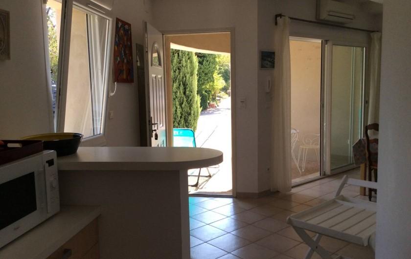 Location de vacances - Appartement à Villeneuve-lès-Avignon - L'entrée