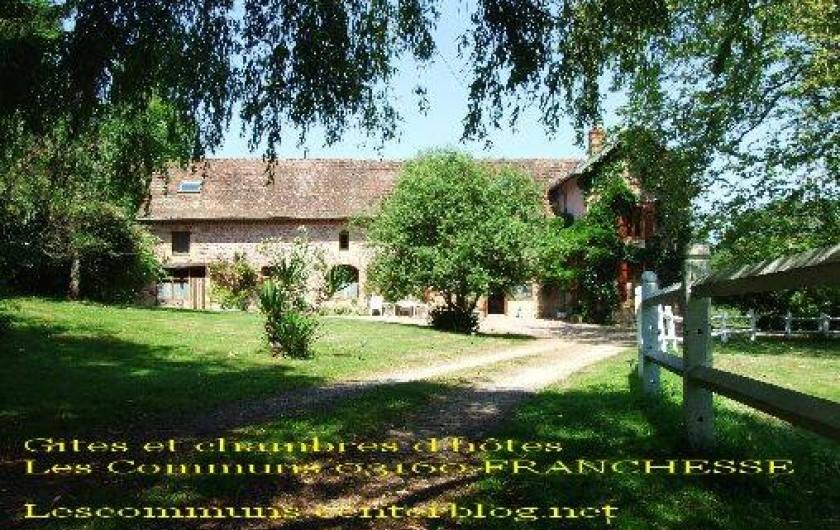 Location de vacances - Maison - Villa à Franchesse - l'arrivée sur la propriété