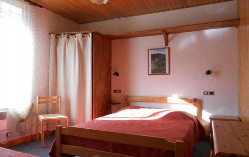"""Location de vacances - Gîte à La Bresse - Gite """"le liernat"""" 43 m2 + balcon -3 pièces. Vue chambre"""