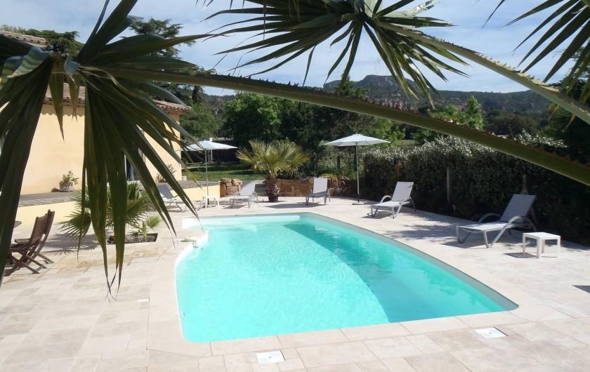 Grande villa dans les vignes piscine et vue sur les for Piscine roquebrune sur argens