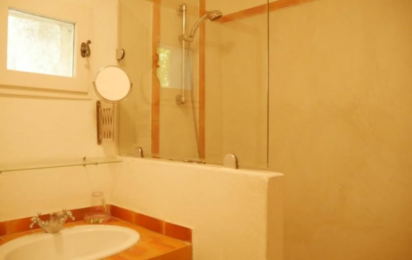 Location de vacances - Mas à Narbonne - Salle de bain Douche italienne
