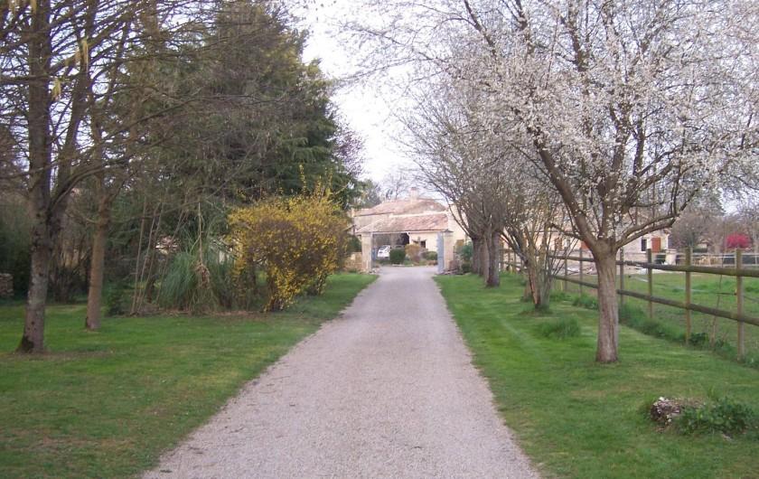 Location de vacances - Gîte à Sainte-Blandine - entrée du gite