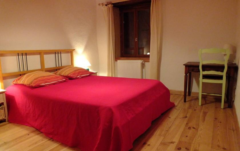 Location de vacances - Gîte à Saint-Bonnet-de-Cray - Chambre 1.