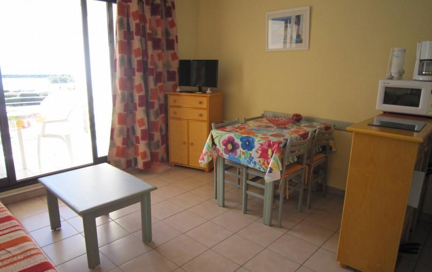 """Location de vacances - Appartement à Le Cap d'Agde - Le coin """"salle à manger"""""""