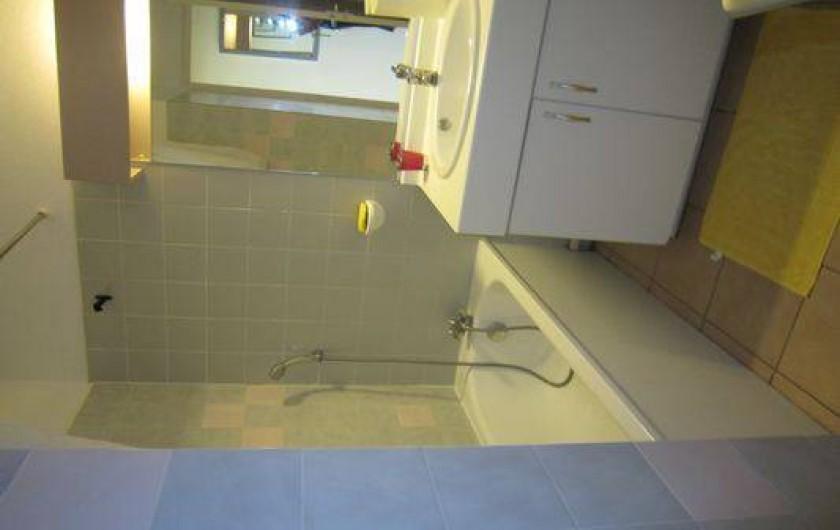 Location de vacances - Appartement à Le Cap d'Agde - La salle de bain
