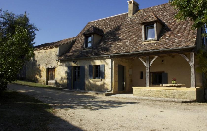 Location de vacances - Gîte à Saint-Avit-Sénieur - Avant du gîte sud