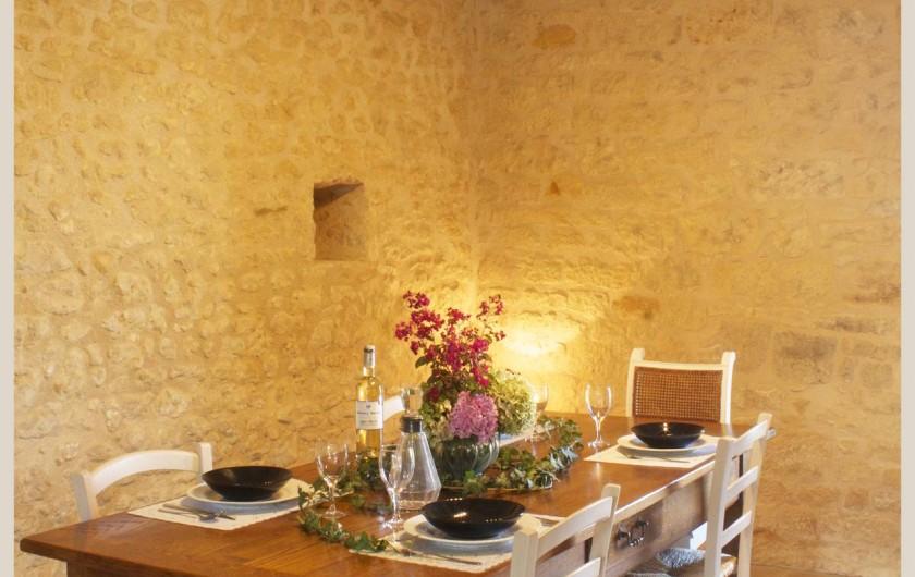 Location de vacances - Gîte à Saint-Avit-Sénieur - coin repas