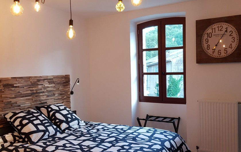 """Location de vacances - Appartement à Saint-Montan - Appartement """"Pastourelle"""" chambre"""