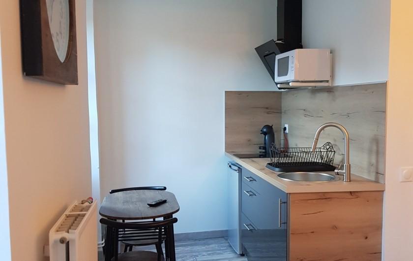 """Location de vacances - Appartement à Saint-Montan - Appartement """"Pastourelle"""" coin cuisin"""