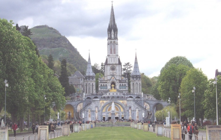 Location de vacances - Gîte à Esquièze-Sère - BASILIQUE  GROTTE DE LOURDES