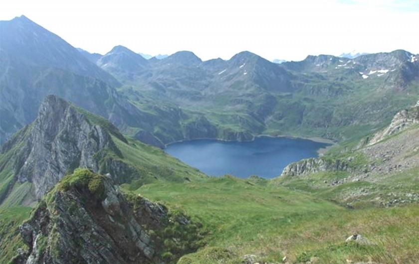 Location de vacances - Gîte à Esquièze-Sère - LE LAC BLEU  sublime